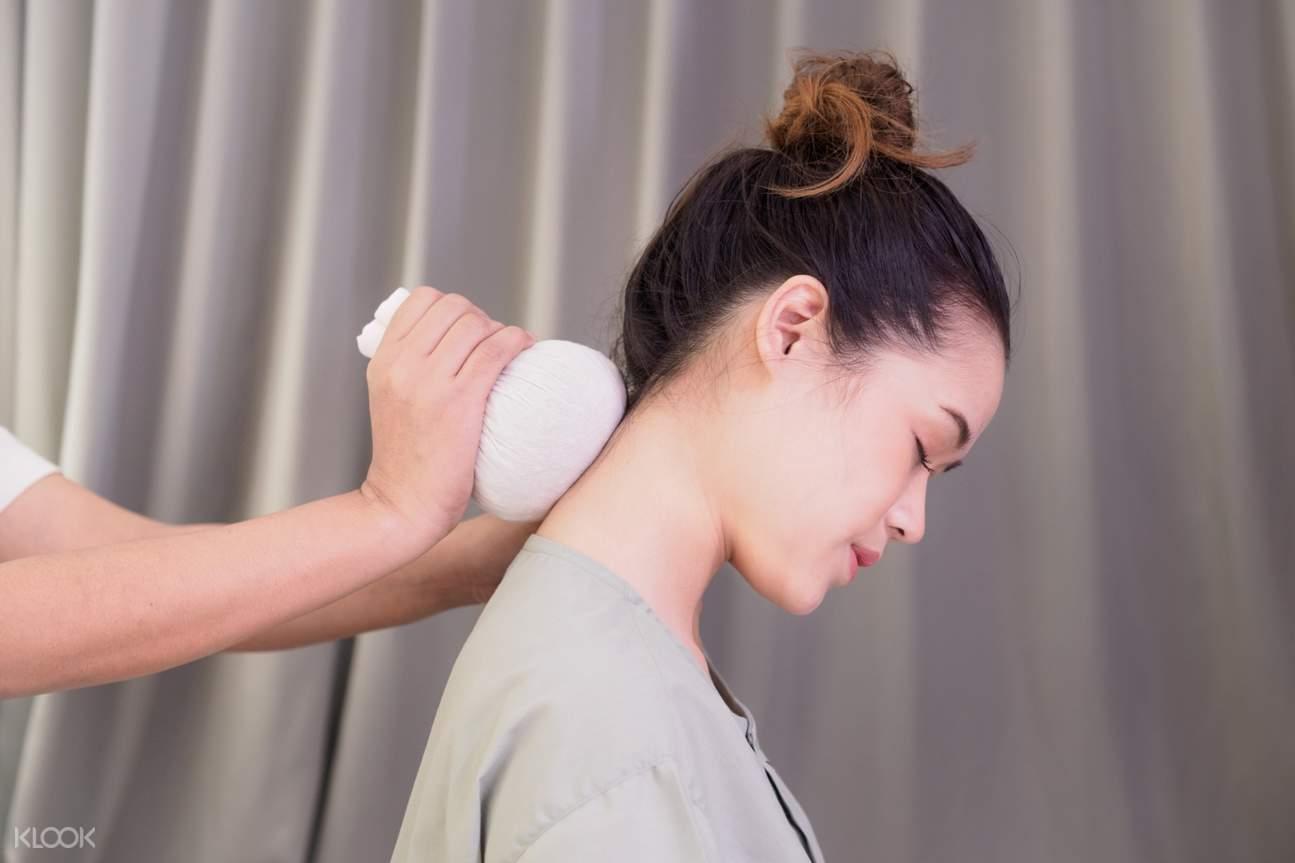 herbal massage in thailand
